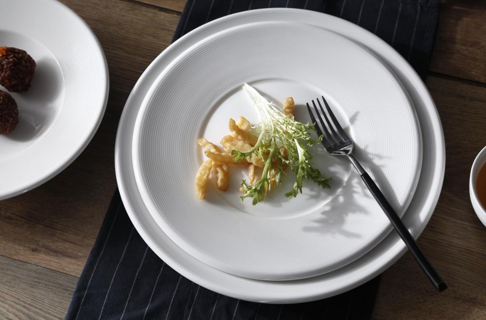 Royal white porcelain dinner set dinnerware for restaurant hotel using