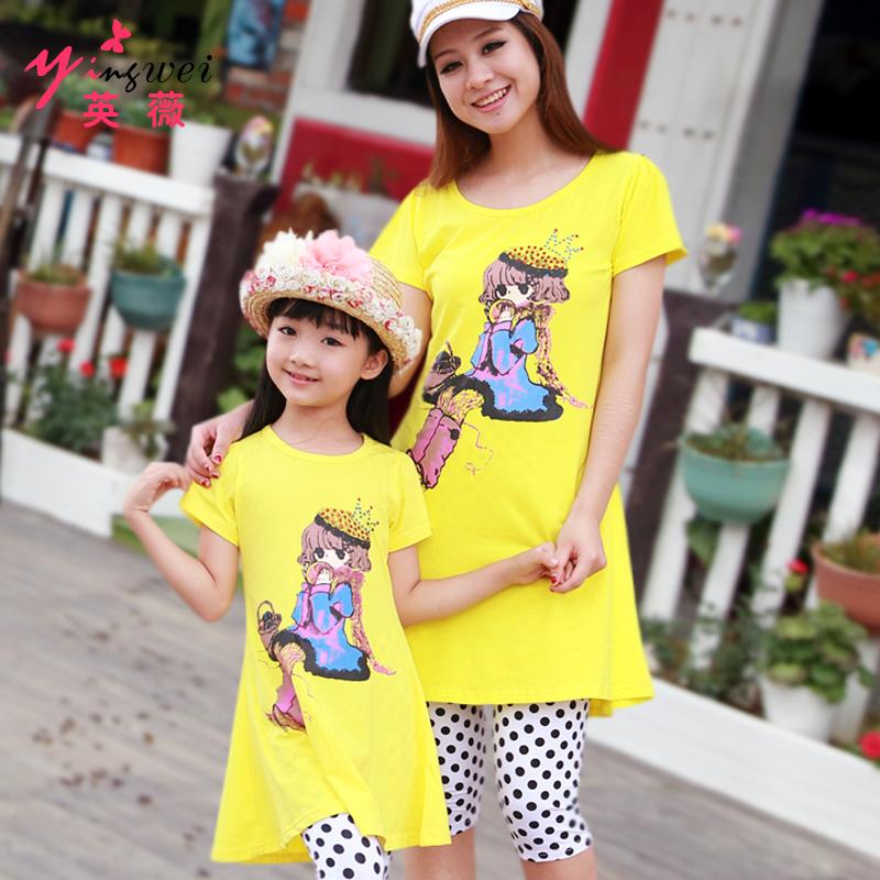 Babymmclothes лето стиль семья одежда свободного покроя приталенный комикс печать полоска семья комплект для матери и дочери комплект