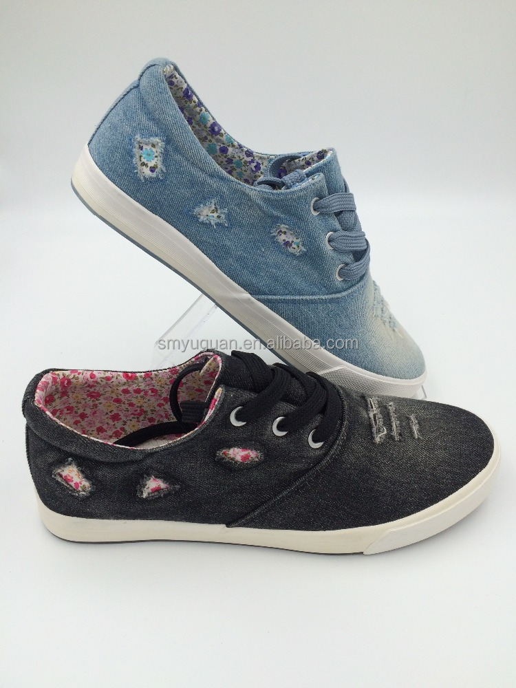 MANUFACTORY Wholesale CUTTING unisex rubber shoes with Water Washed jeans upper