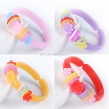 2017 hot sale colorful plastic bracelet with charms for little girls