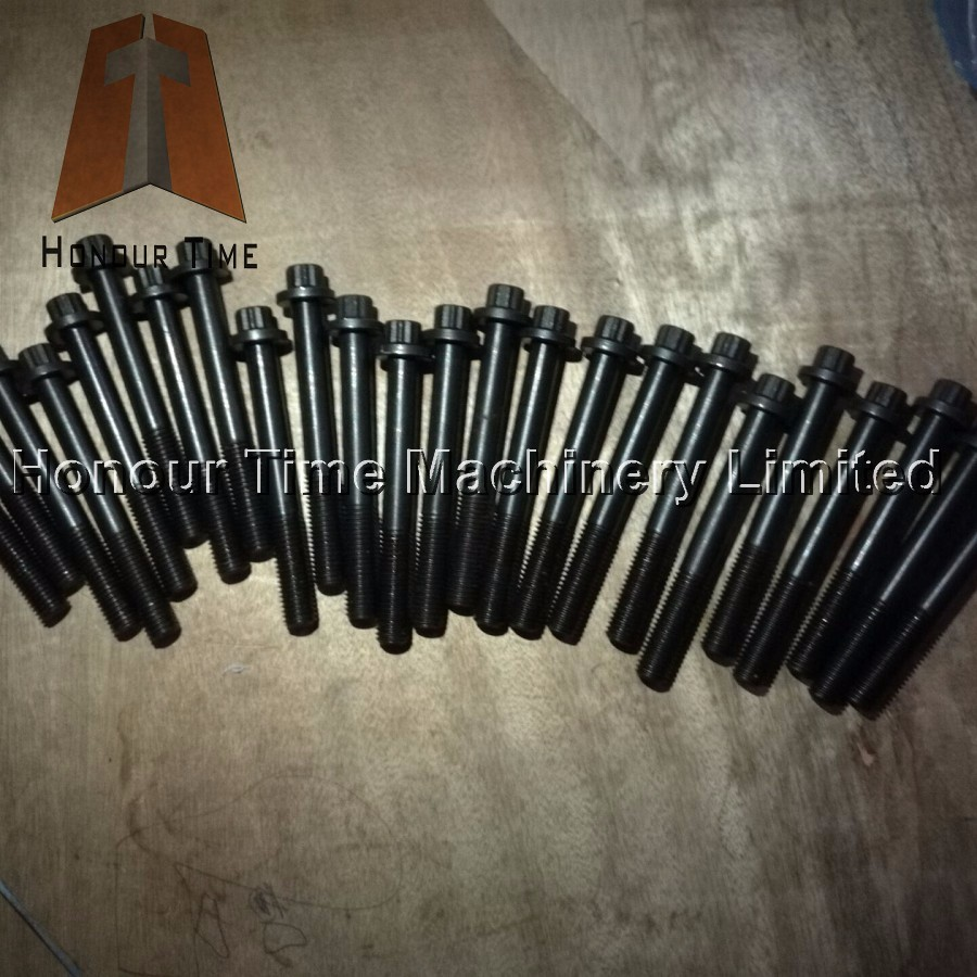 6HK1 Cylinder head bolt 2.jpg