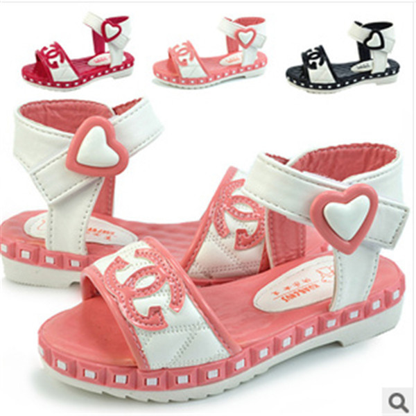New 2014 fashion girls shoes pantent love sandals pu children's beach shoes for kids antiskid comfortable and soft bottom