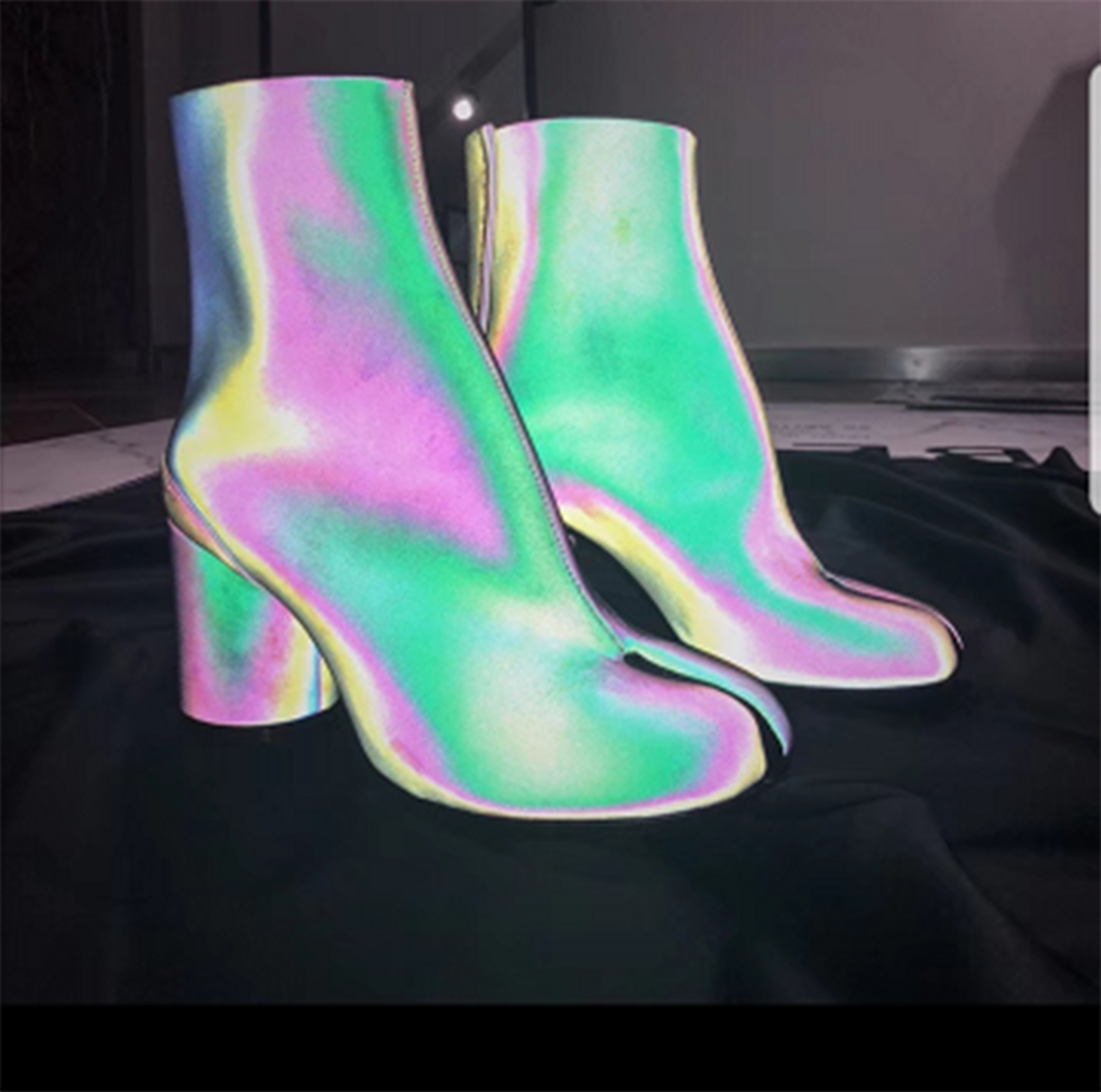 cdcb0eb48f HX-045 Latest Arrival Personalized Reflective Leather Tabi Ankle Boots