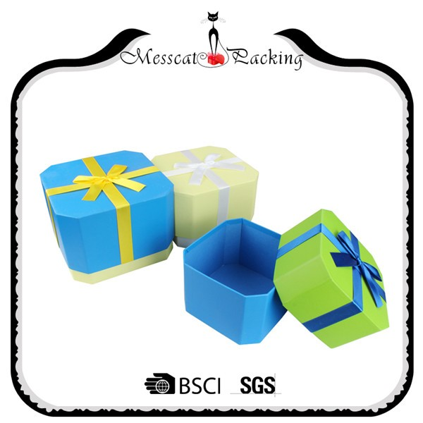 Colored deluxe matte finish setup paper gift boxes with ribbion