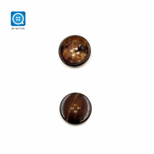 25mm 40L 4 hole Round Real Horn Custom Suit Snap Button