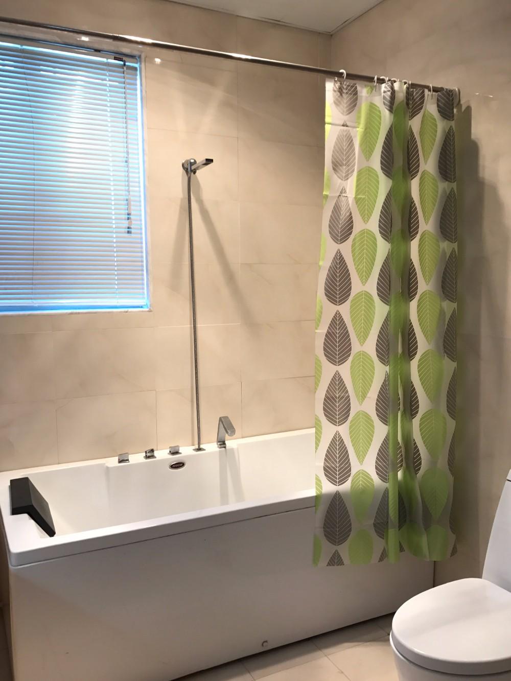 3D Custom Printed Design Eco Friendly Green Leaves PEVA Shower Curtain With 12 Plastic Hooks