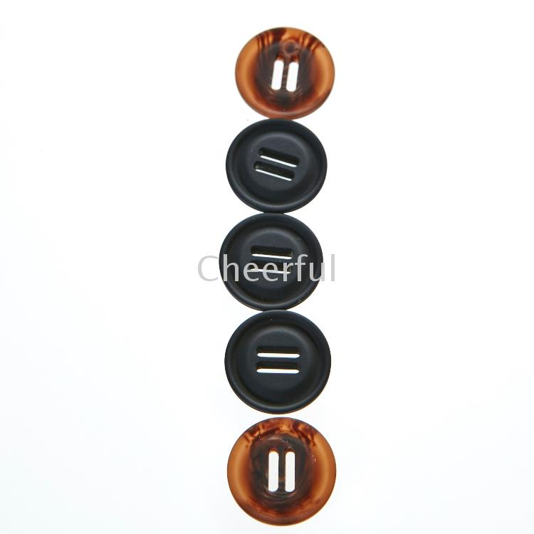New design eco-friendly two holes white resin button