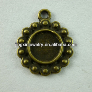Metal Jewelry Finding & Components cabochon collet for Necklace