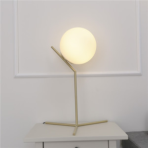 Nordic post-modern MOQ 1 pc glass ball desk light hotel indoor decorative metal table lamp