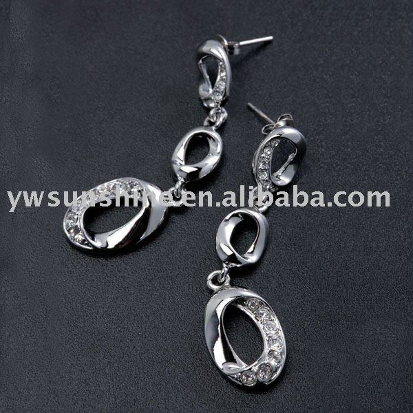 Fine rhinestone long gl earrings