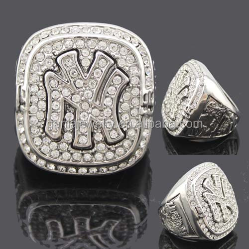 1999 New York Yankee Championship Ring Replica Giveaway 2014