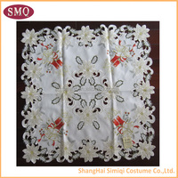 eco-friendly customized embroidery christmas tablecloth and runner