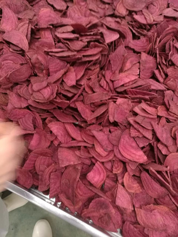 The most popular product dried VF beet root chips