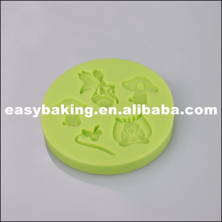 silicone cup cake molds.jpg