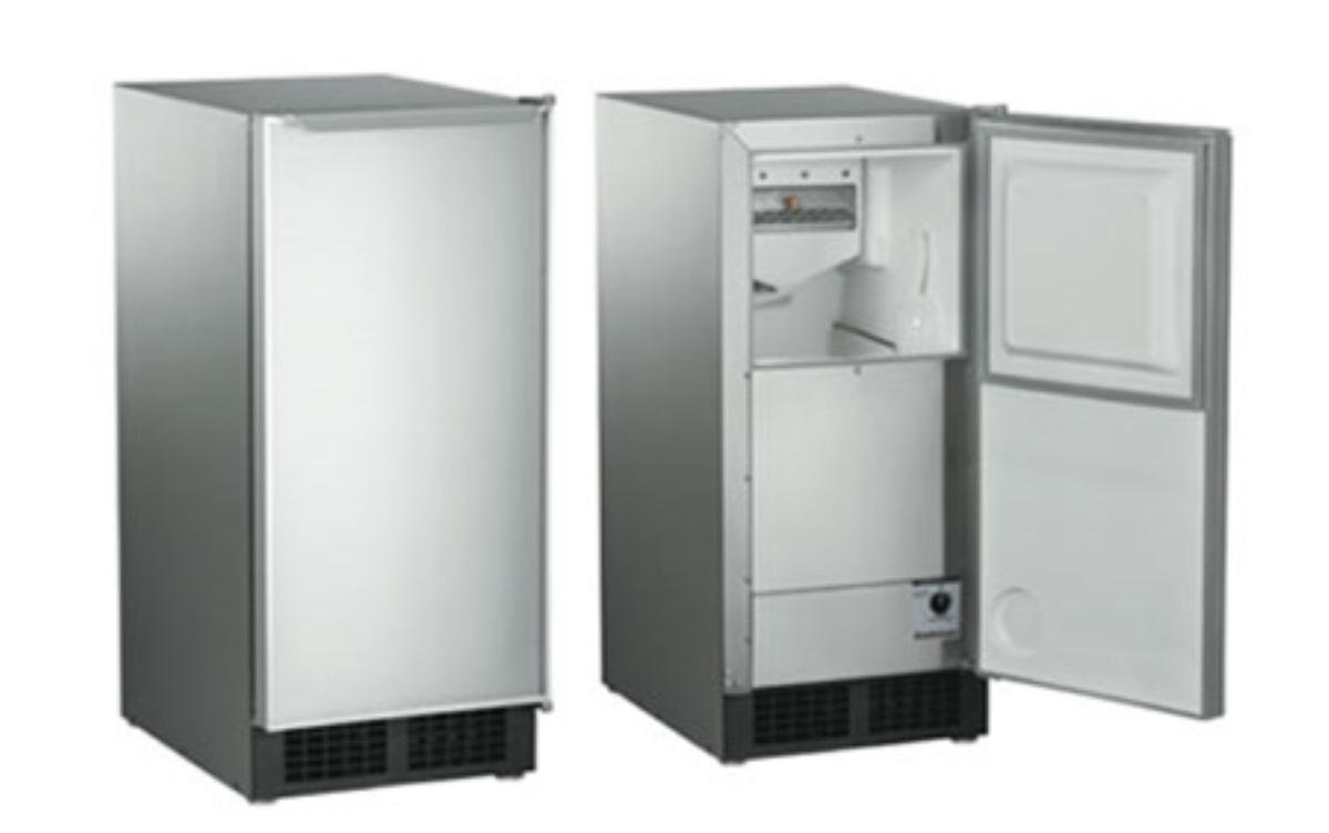 "15"" W 30 lb. Built-In Clear Ice Maker"