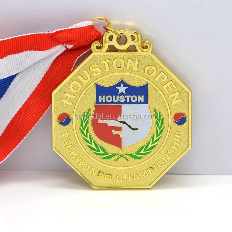 Custom Metal Enamel United Nations Pins And Badges No Minimum Order