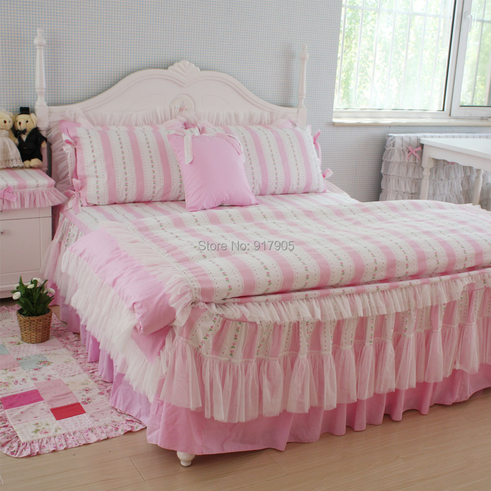 luxury white lace bedding sets romantic pink striped rose print comforter bedding sets twin full. Black Bedroom Furniture Sets. Home Design Ideas