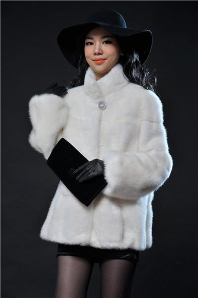 white mandarin collar lantern sleeve transverse short real fur mink coat imported from Finland