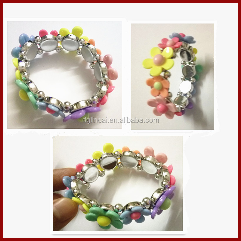 Children plastic flower patterns elastic string bracelet