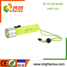 Factory Wholesale 4*AA Dry Battery Powered ABS Material Waterproof Powerful 5w Cree led Diving Flashlight with Wrist Strap