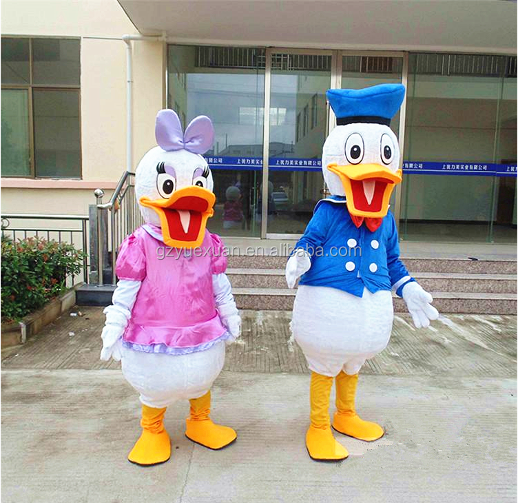 Famous cartoon character costume plush duck costume for the activity