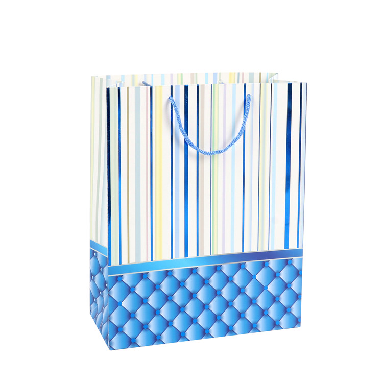 New Design Cheap Custom Recyclable Personalized Paper Gift Bags With Your Own Logo