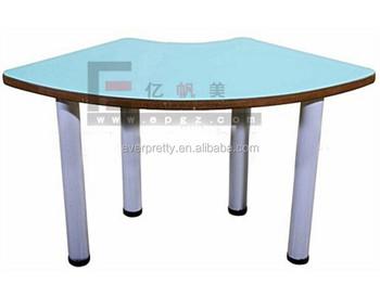 Trapeziumvormige baby activiteit tafel beste peuter tafel en stoel