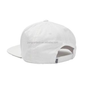 331dbc657b3 Snapback Hats With Spikes