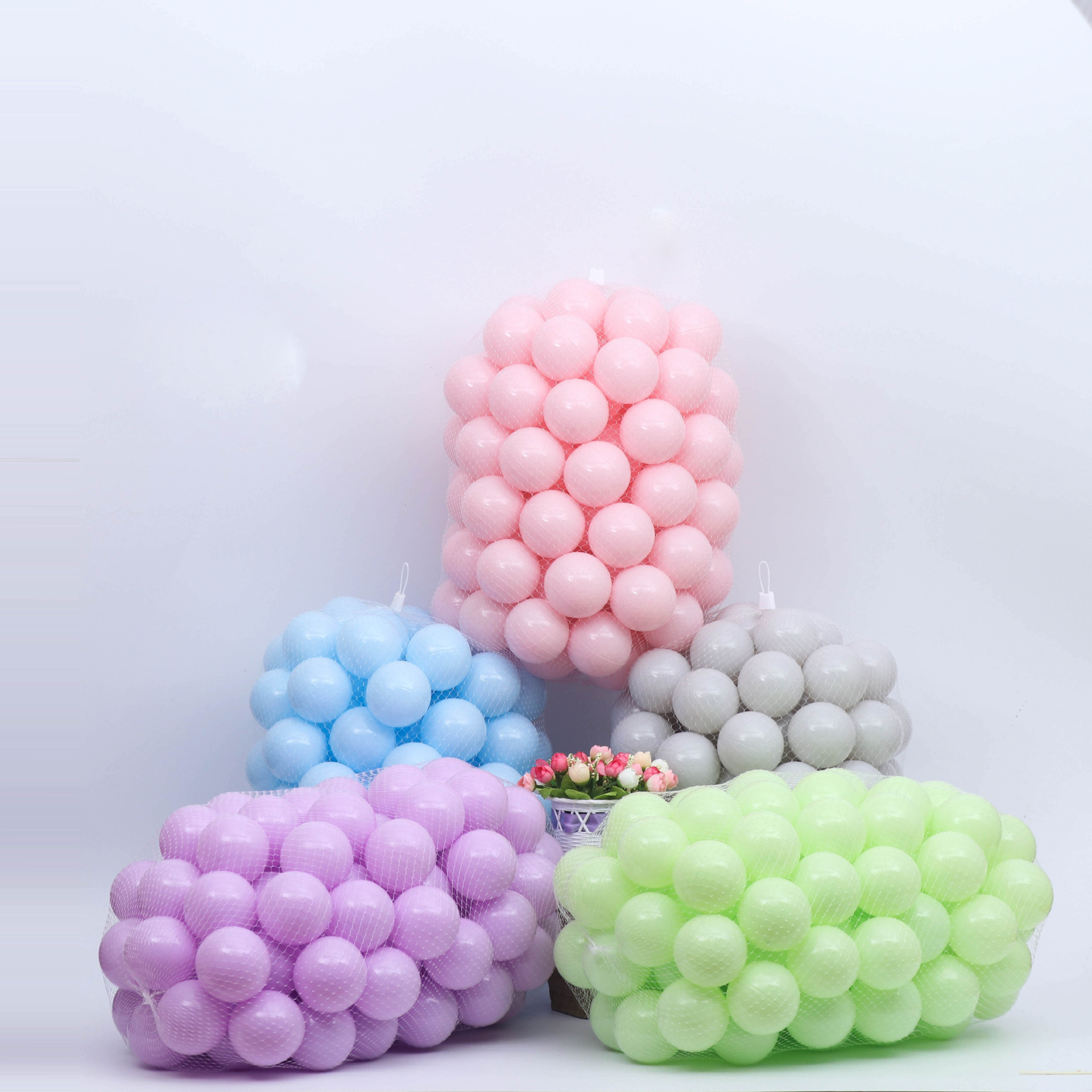 Wholesale kids water pit soft toy Eco-friendly PE plastic ocean <strong>Ball</strong>