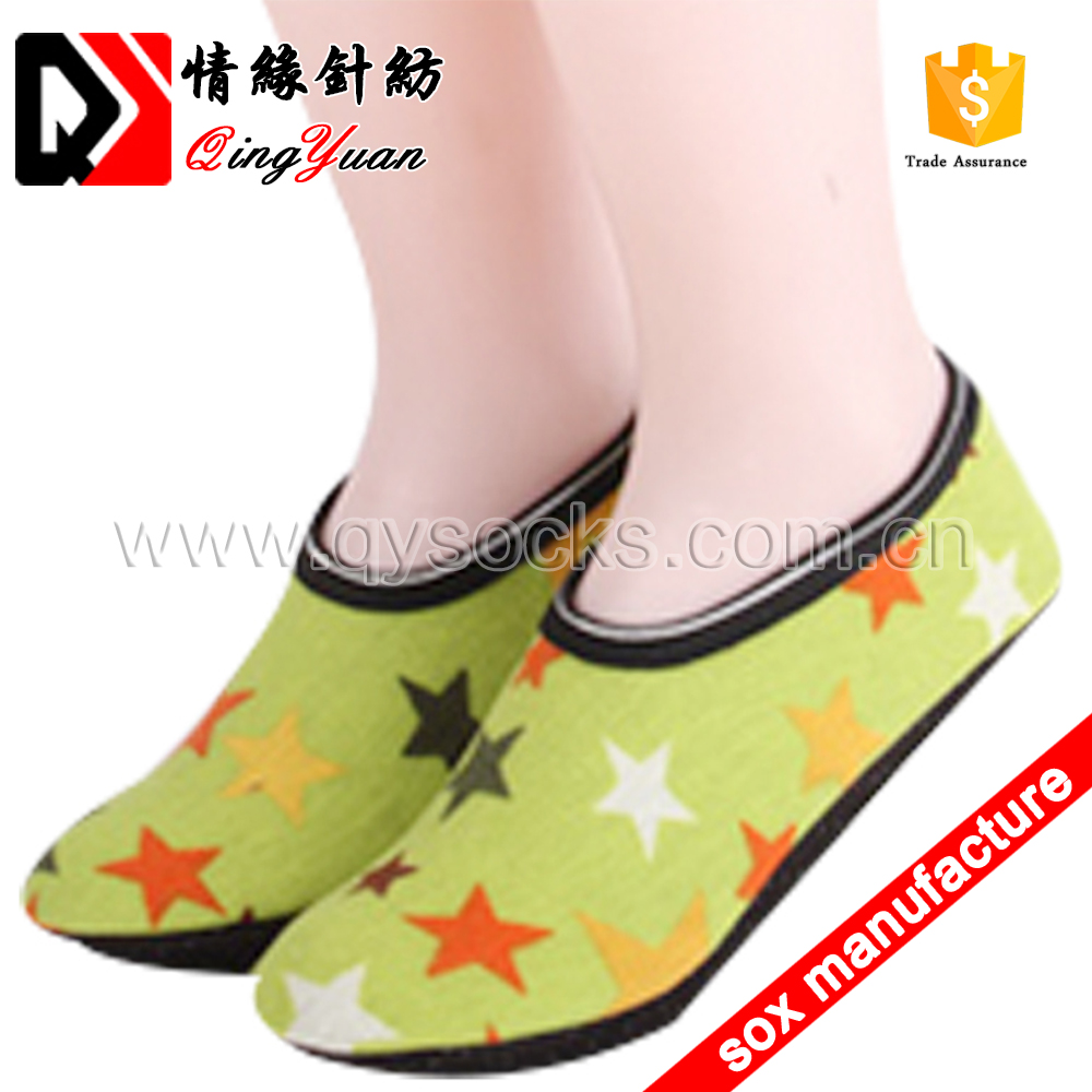 Wholesale anti slip adults lovely cartoon printed baby shoe socks