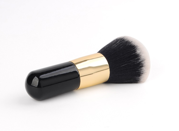 FLD Wholesale Wood handle Face Sculpting Makeup Powder Brush Bottom Cosmetic Tools Kit Foundation Make Up Face Brush