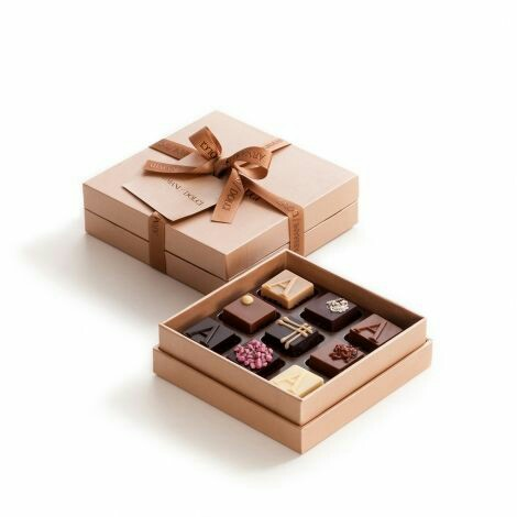 Custom luxury chocolate boxes with clear lids wholesale, chocolate boxes with inserts/plastic trays