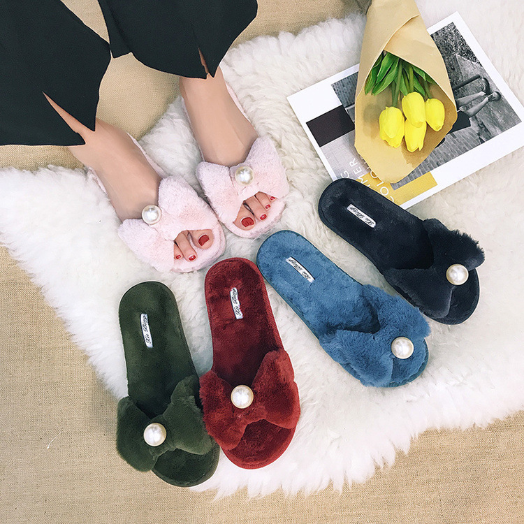 New Arrival New Design Fashion Indoor Women Synthetic Fur Shoes Slippers With Pearl Ladies Fur Slippers
