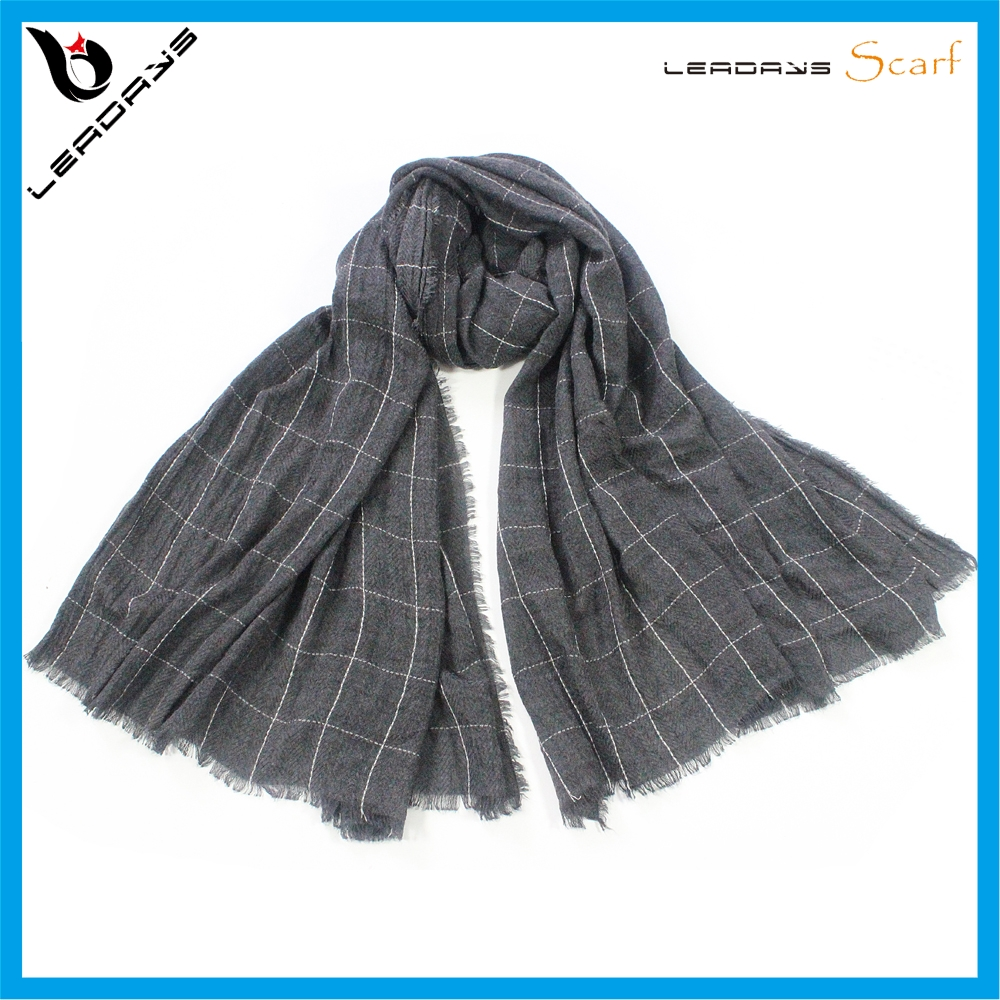 Customized wrinkle blue color woven plaid cotton scarf