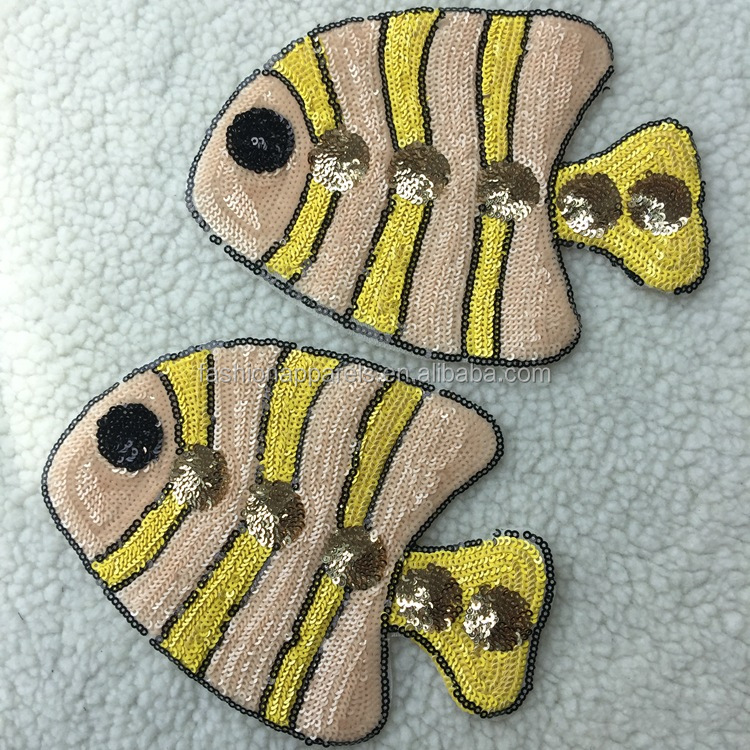 Custom 2018 Wholesale Sequins Two Fishes Embroidery Patches With Sew On Backing