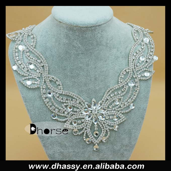 2016 new bling bling hot fix metal rhinestone applique neck design for evening dress DH-RE2853