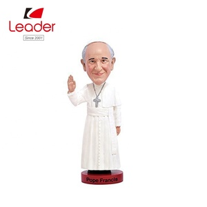 Factory Direct sales polyresin Bobbles Pope Francis Bobble head