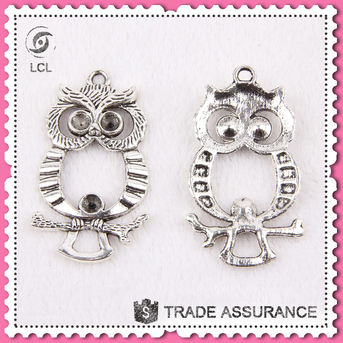 Vintage animal pendant owl shaped, for necklace imitate silver owl pendant