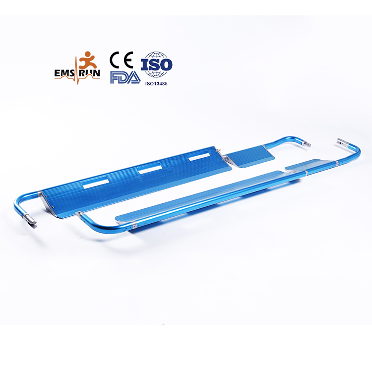 First aid device detachable scoop stretcher