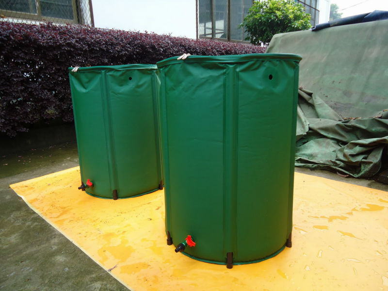 PVC tarpaulin foldable rain barrel for water collection max capacity 1450l