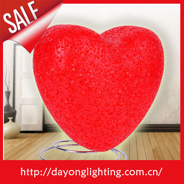 Heart shaped Small size cheap Cute red table lamp T1111 table lighting for home children lighting
