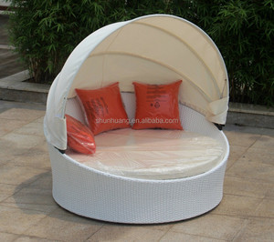 PE rattan furniture sun lounger wicker day bed with canopy