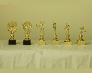 Wholesale Custom Gold Plate Metal Figurine Award Trophy For Gifts