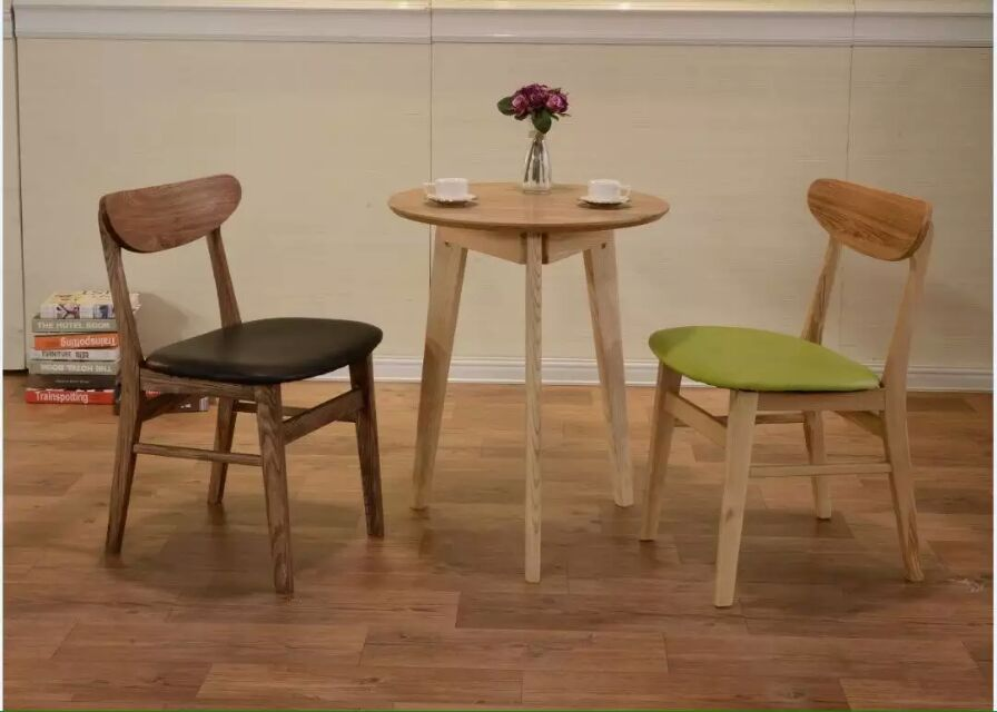 Vintage Country Style Modern Wooden Cafe Chair And Table Set For Shop Use