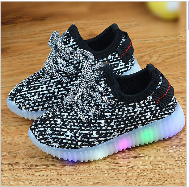 2016 New Fashion Kids Sneakers LED Luminous Air mesh Girls Sports Shoes Child Boy Colorful Flashing Lights Shoe