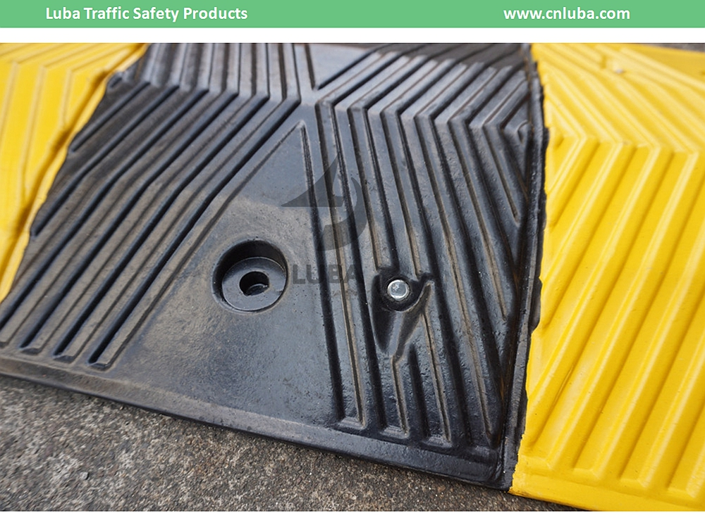Good Quality Best price 1 meter Rubber Speed Bump