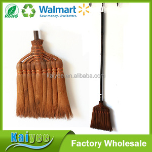 Designer Brooms Factory in China, Garden Long Wood Handle Bamboo Broom