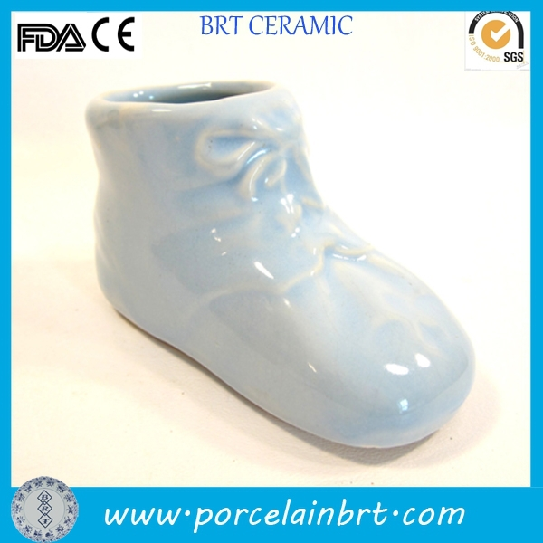 Wholesale giftware high quality custom size ceramic Baby Shoe