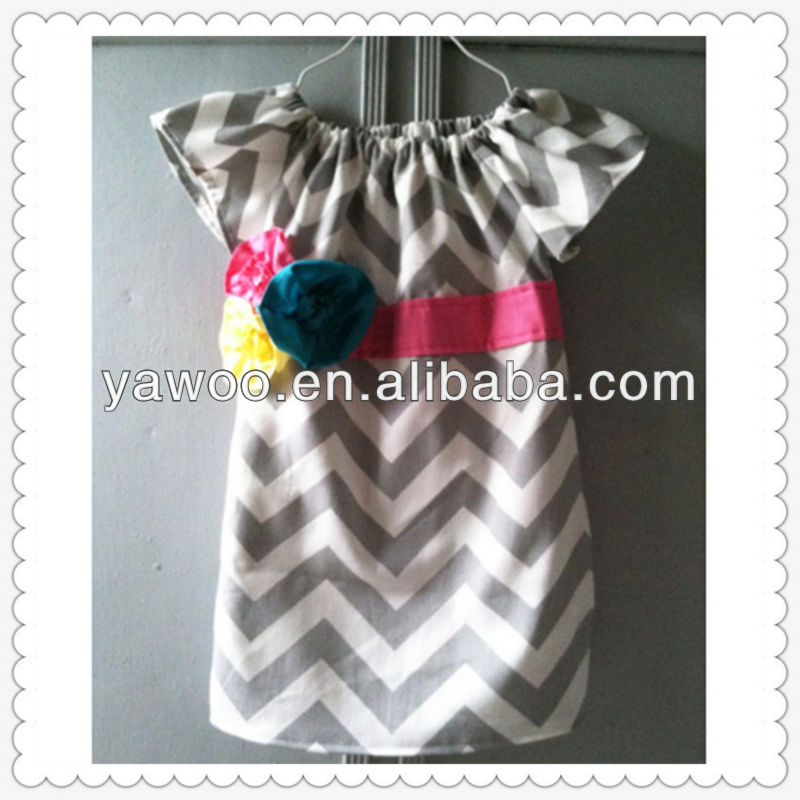 Hot selling 2015wholesale baby clothes chevron prints dresses design kids bridal short sleeve with belt flowers decoration dress