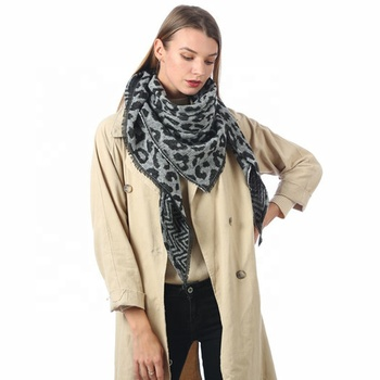 Wholesale Women Woven Winter Tassel Pashmina Shawl Custom Fashion Ladys Leopard Print Cashmere blanket Triangle Scarf